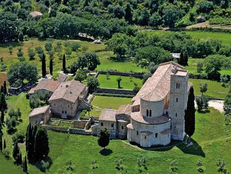 ARCHICINEMATOGRAFICO #1: L'Abbazia di Sant'Antimo (Montalcino) e Fratello Sole Sorella Luna