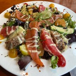 Salade de poissons fumés maison