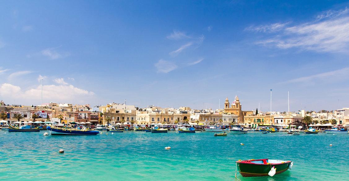 malta-marsaxlokk-view-of-fishing-village