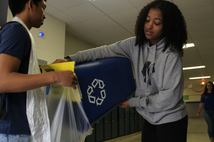 SEE club helps environment with recycling initiative