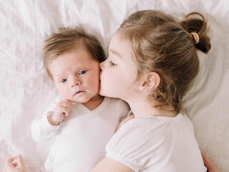 Charlotte & Juliette -  A look into a Baby shoot with an older sibling