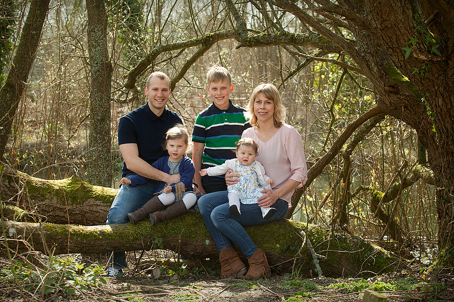 family natural photograph