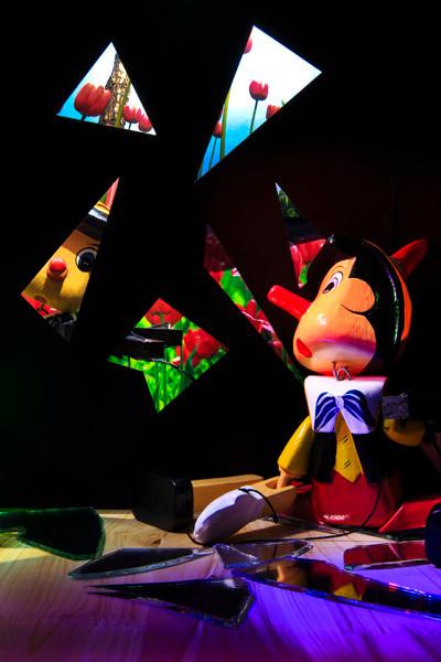 Marionette #37_Digital C-Print_50x75cm_2