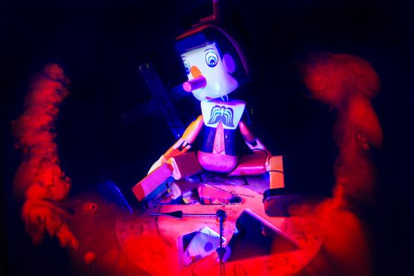 Marionette #04_Digital C-Print_75x50cm_2