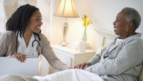 1140-nurse-taking-care-of-senior-caregiv