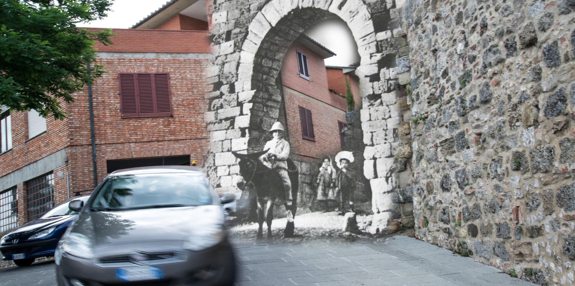 Macchine e asino alla Porta Rivellino