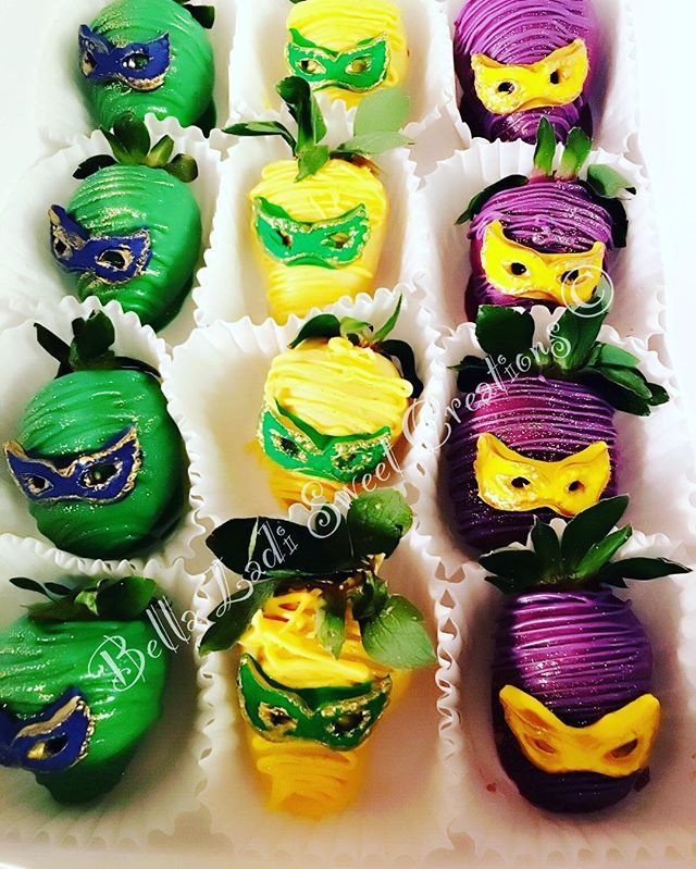 Mardi Gras Strawberries