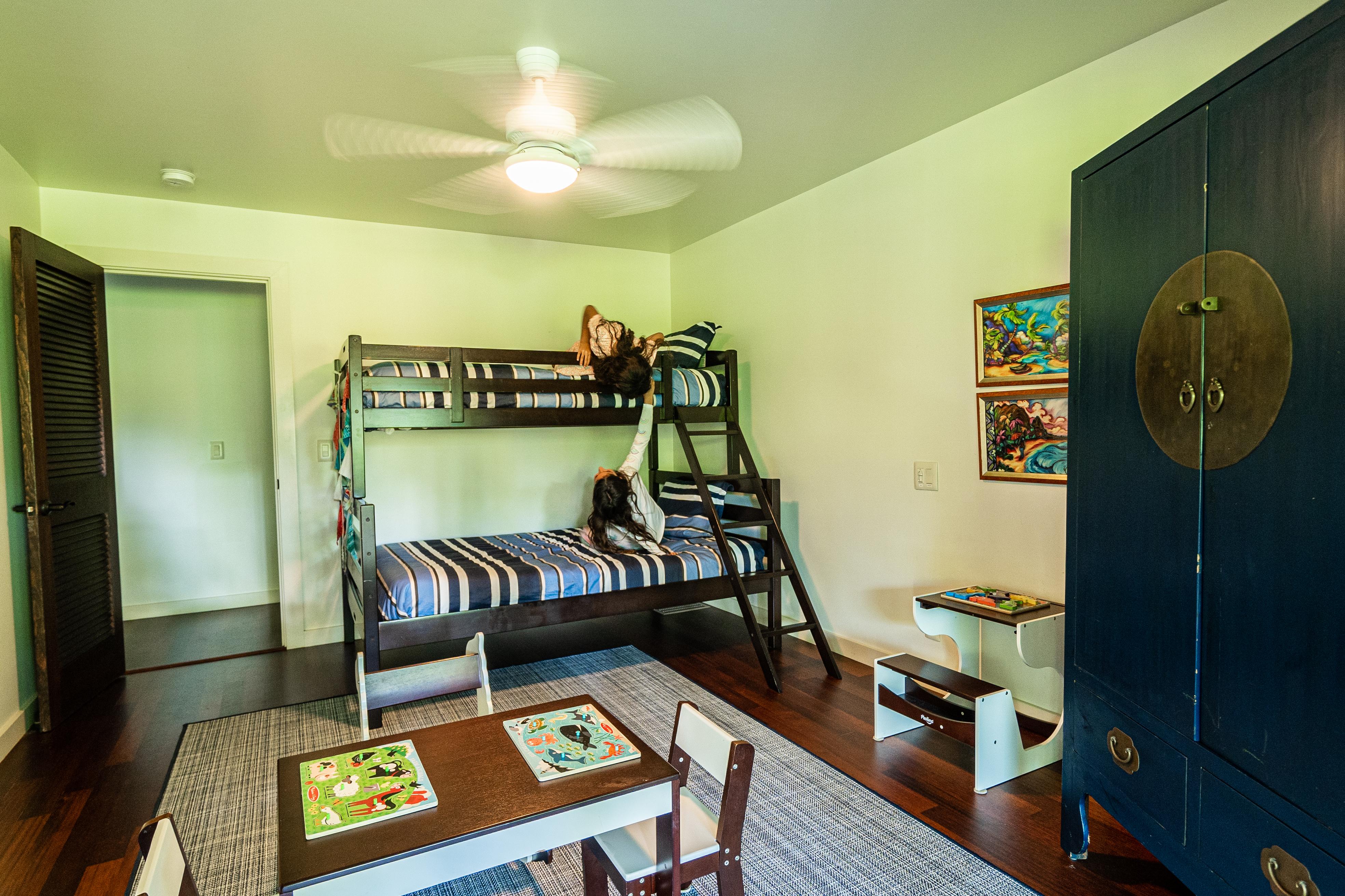 Interior 26 - Kid's Bedroom