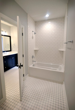 Jack and Jill Tub/Toilet Room