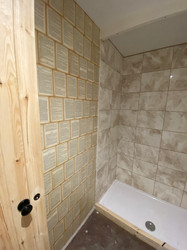 Book themed shower room