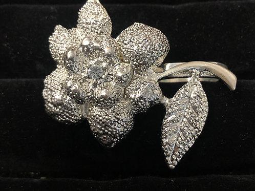 Double finger Lg Silver Flower ring