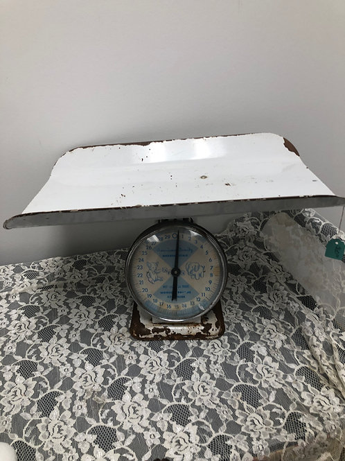 Vintage American Family Nursery Scale