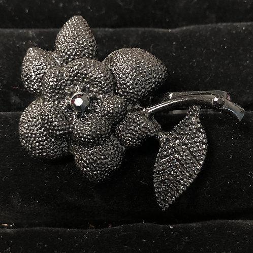 Double finger Lg Black Flower ring