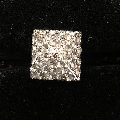 Pyramid shape rhinestone ring size 7