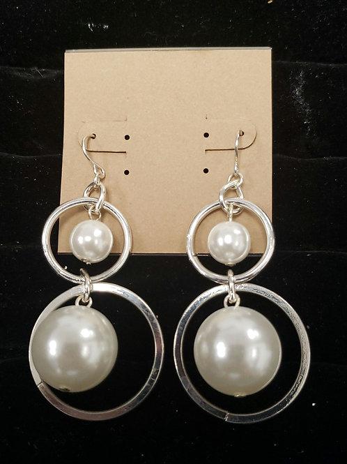 Pearl and silver circle