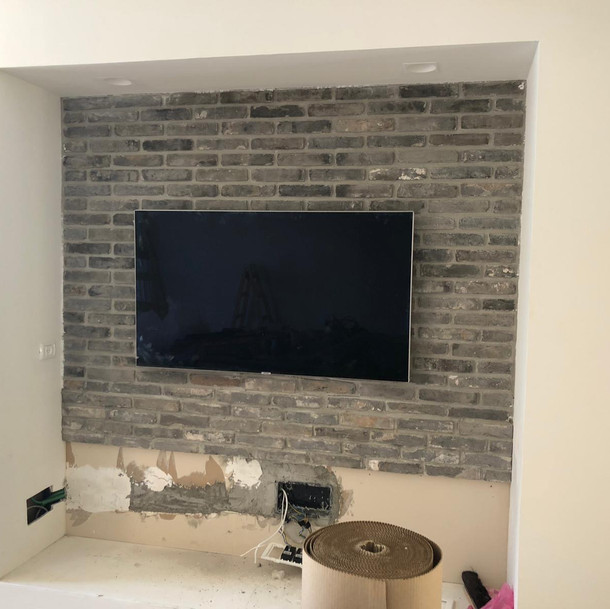Electric sockets & installation added for the TV.