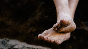 HOW GOING BAREFOOT AFFECTS YOUR BRAIN-BY DR SAM OLTMAN, ND