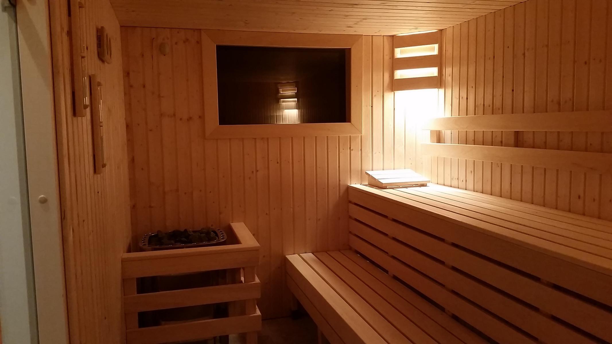 Sauna Bio mit Fernseher