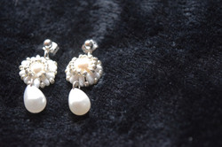 Pearl Drop Earrings (faux pearl)