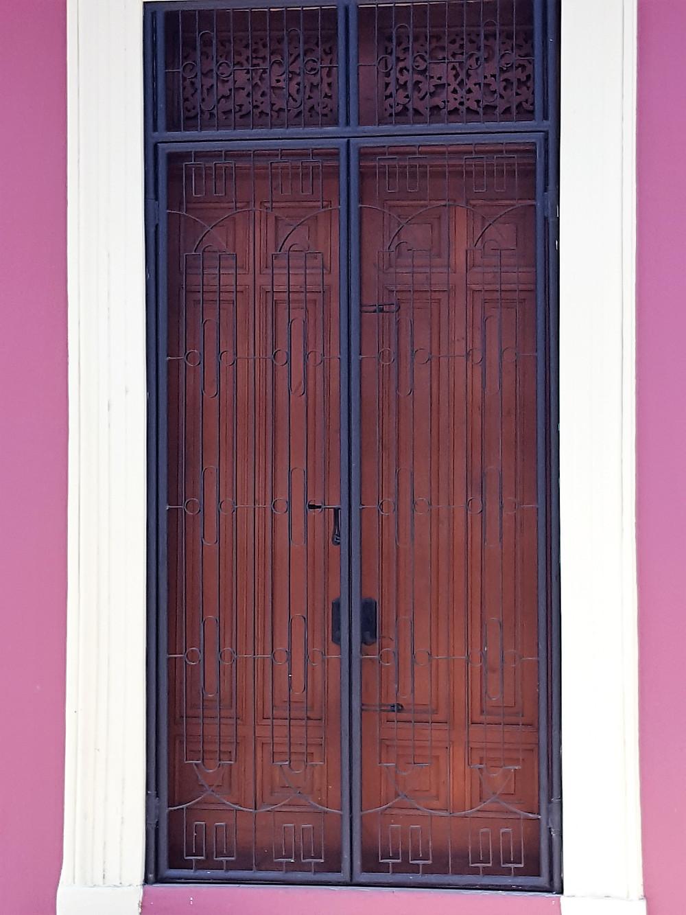 Nice doors in Granada