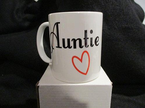 #589 Auntie heart mug