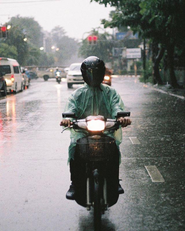 Rain in Chiang Mai . . .  A sudden down