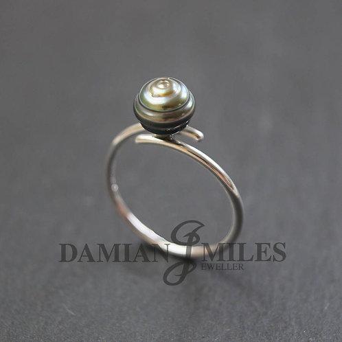 Tahitian Cultured Pearl, cross-over Ring.