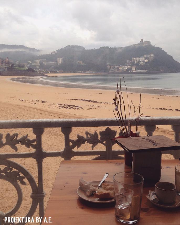Relájate en 'La Perla' donostiarra, un balneario en la playa