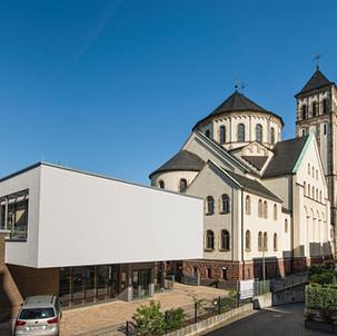 ST. BERNHARDT
