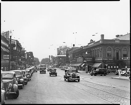 Uptown Image - Hennepin Avenue looking s
