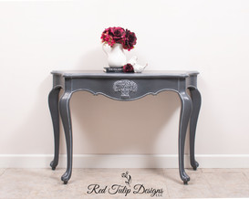 French Provincial Queenstown Gray Table