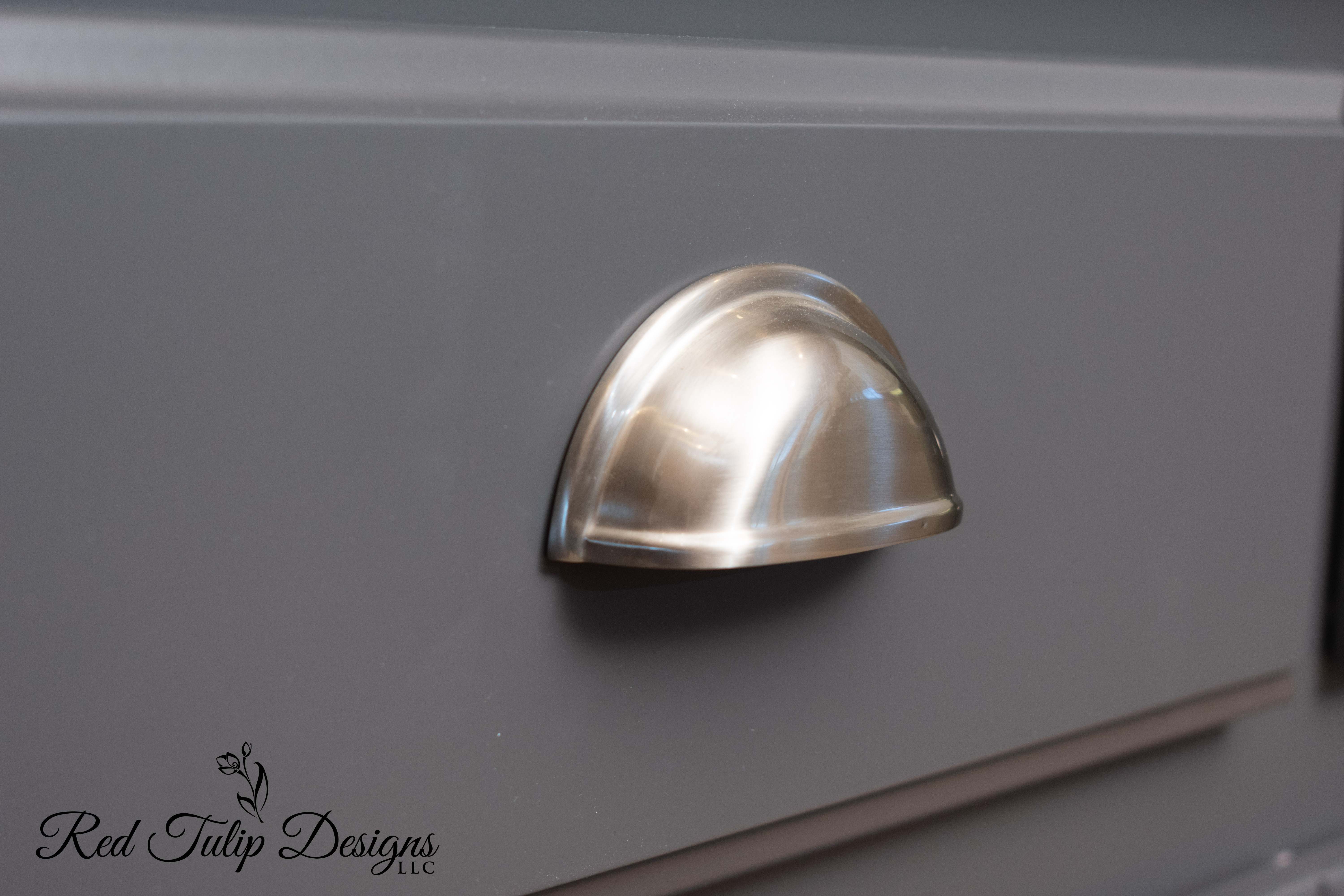 Peppercorn_Lower_Cabinet_Drawer_Brushed_