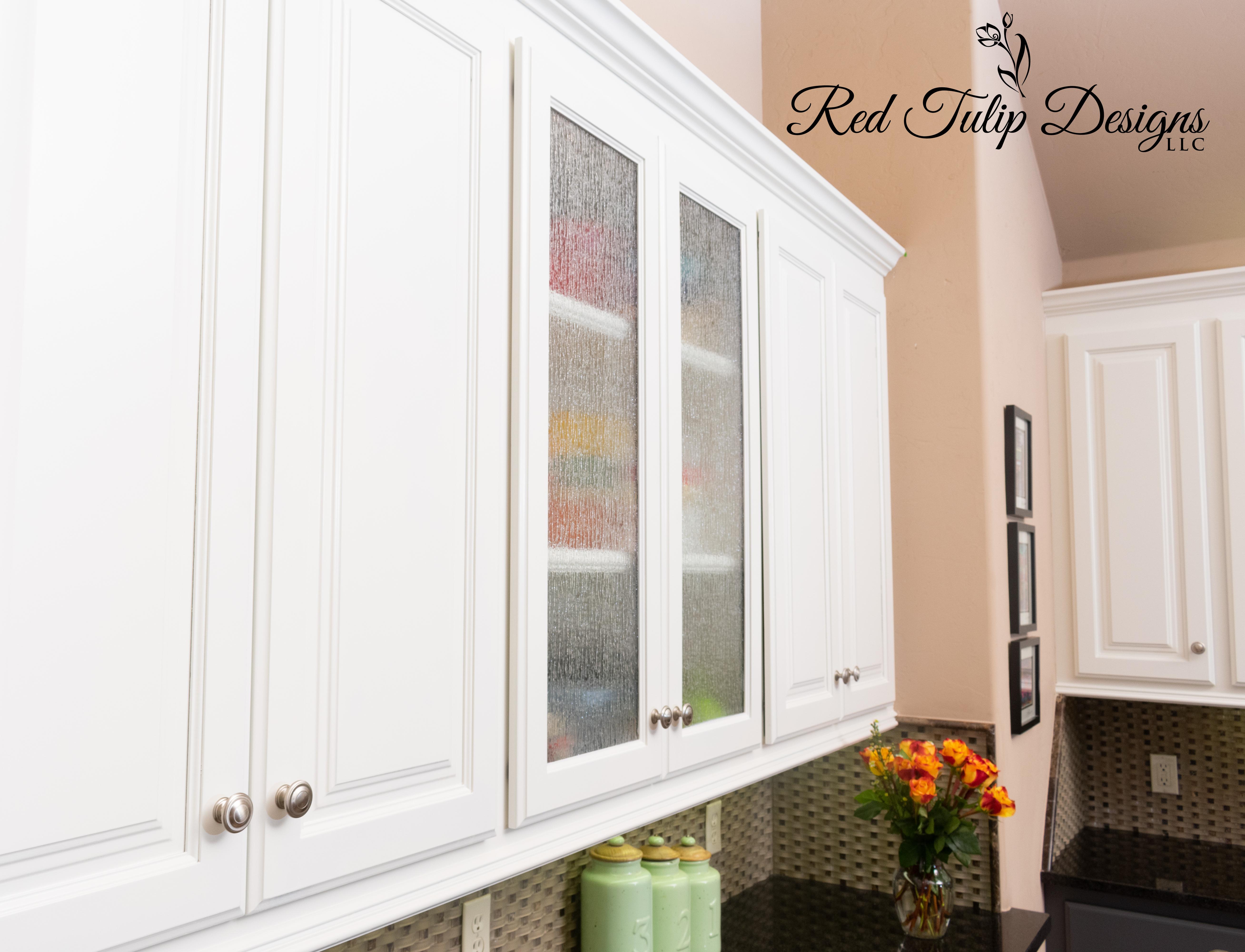 Alabaster_Upper_Cabinets_Glass_Doors_H_K