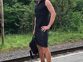 White Father Of 3 Wears Skirts And Heels To Work Because He Can