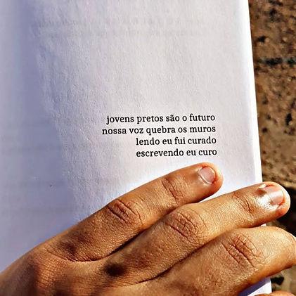 POESIA E AMOR PRETO - FOTO 01_edited.jpg