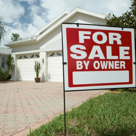 Should you sell your home yourself or hire a real estate agent?