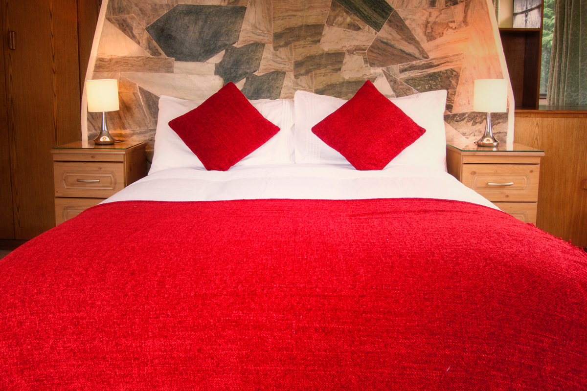 Full Red Bed