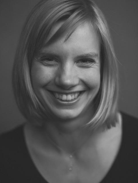 """Portræt af Anna. """"I Frit Fald"""", bogprojekt. Valby, Danmark."""