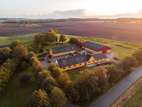 Dronefotografi af Stendyssegaard. Borup, Danmark, 2019.