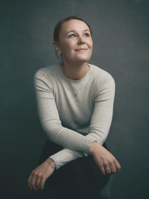 """Portræt af Sofie. """"I Frit Fald"""", bogprojekt. Valby, Danmark."""