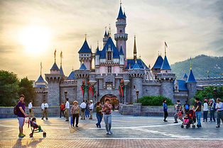 Hong-Kong-Disneyland-Scott-Crewsswell-58