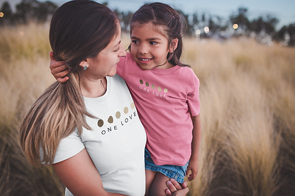 mom-and-daughter-mockup-wearing-tshirts-