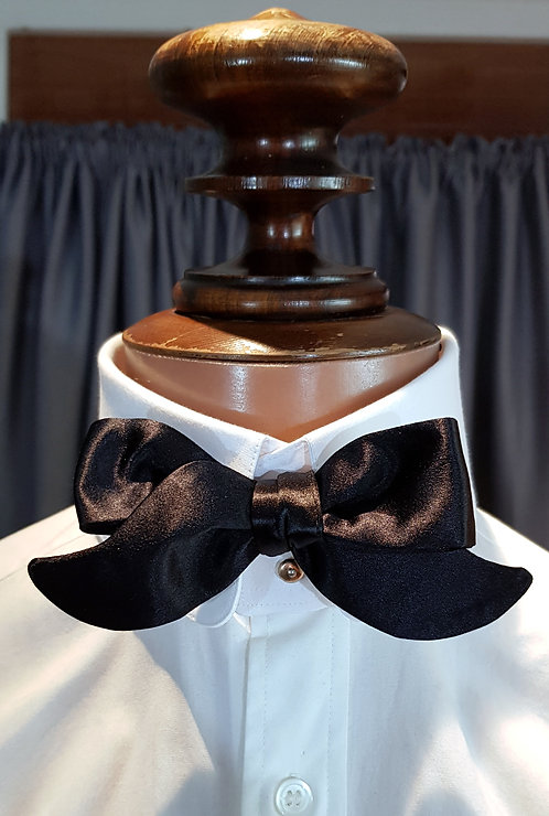 Hounds Tooth Bow Tie - From $89.00