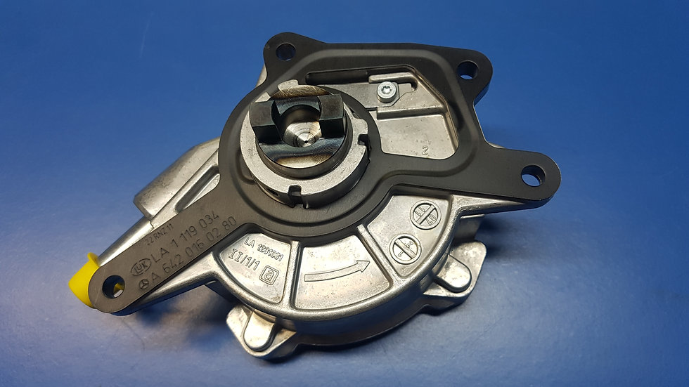 Mercedes OM642 & W461 - W463 - Brake Vacuum Pump - 642 230 00 65, 6422300065