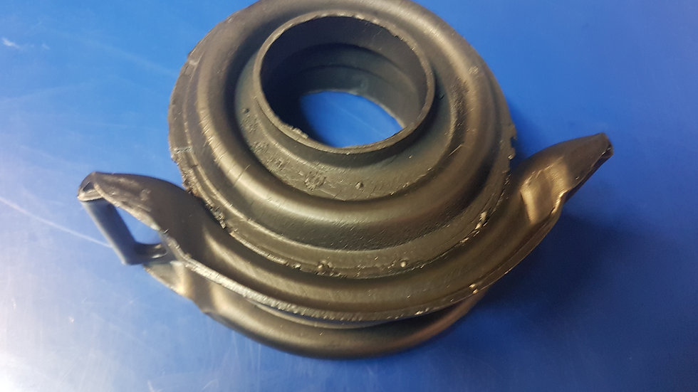 Mercedes W114 - W115 Centre Tail shaft Bearing Suppt - 115 410 42 81, 1154104281
