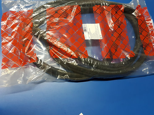 Mercedes W110 - W112 Front Windscreen Rubber - 110 670 06 39, 1106700639