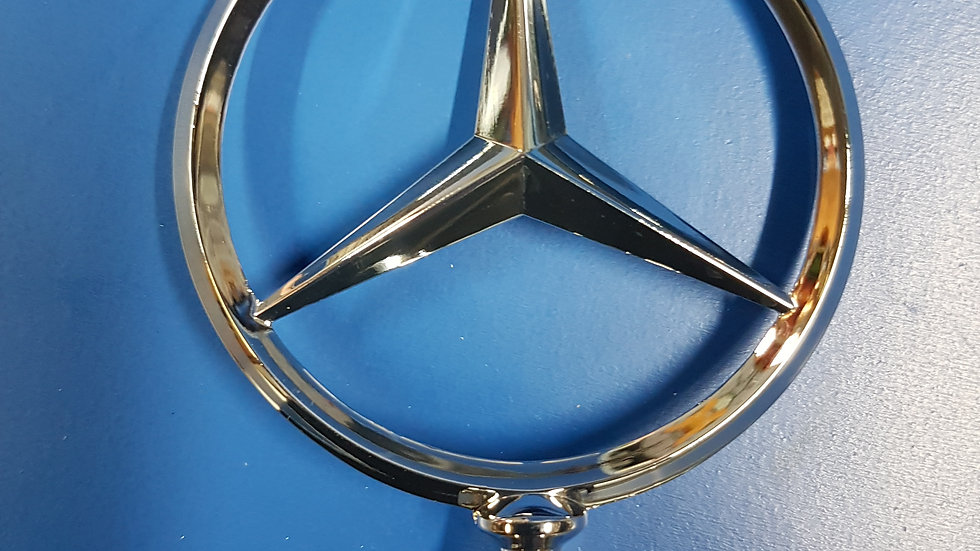 Mercedes W110 - W112 Fintail Grill Star - 180 888 01 09, 1808880109