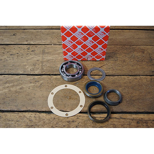 Mercedes W108 – W113 Rear wheel bearing Kit: - 111 350 00 68, 1113500068