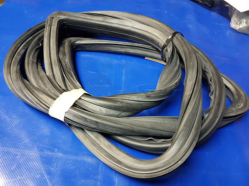 Mercedes W111 & W112 Coupe/Conv Front Screen Rubber  - 111 670 56 39, 1116705639