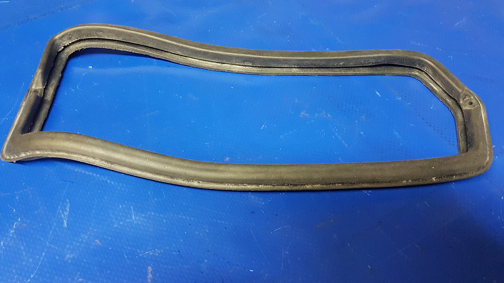 Mercedes W108 - W109 Tail Light Body Gasket Left (rep) 108 826 01 58, 1088260158